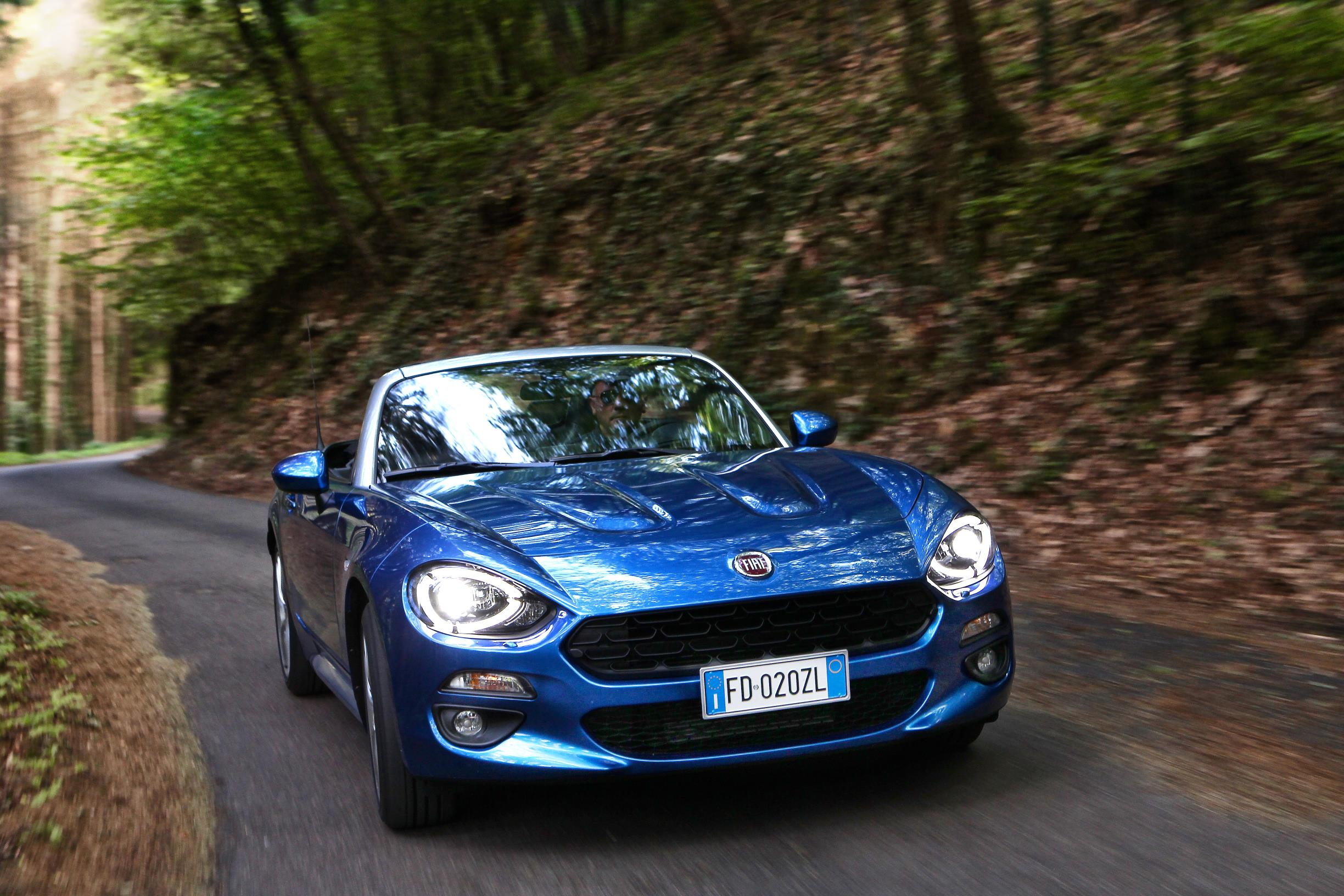 2017 fiat 124 spider launched in europe abarth priced at 40 000 autoevolution. Black Bedroom Furniture Sets. Home Design Ideas