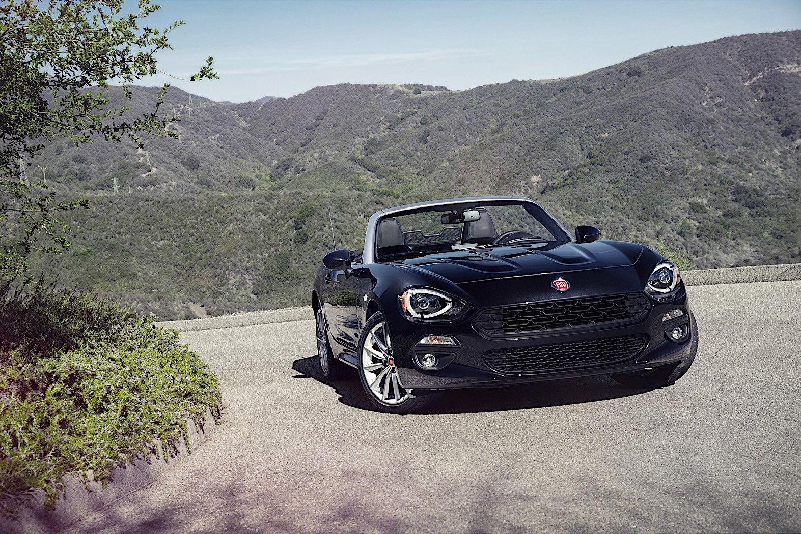 fiat 500 cabrio priced at 20 000 autoevolution. Black Bedroom Furniture Sets. Home Design Ideas
