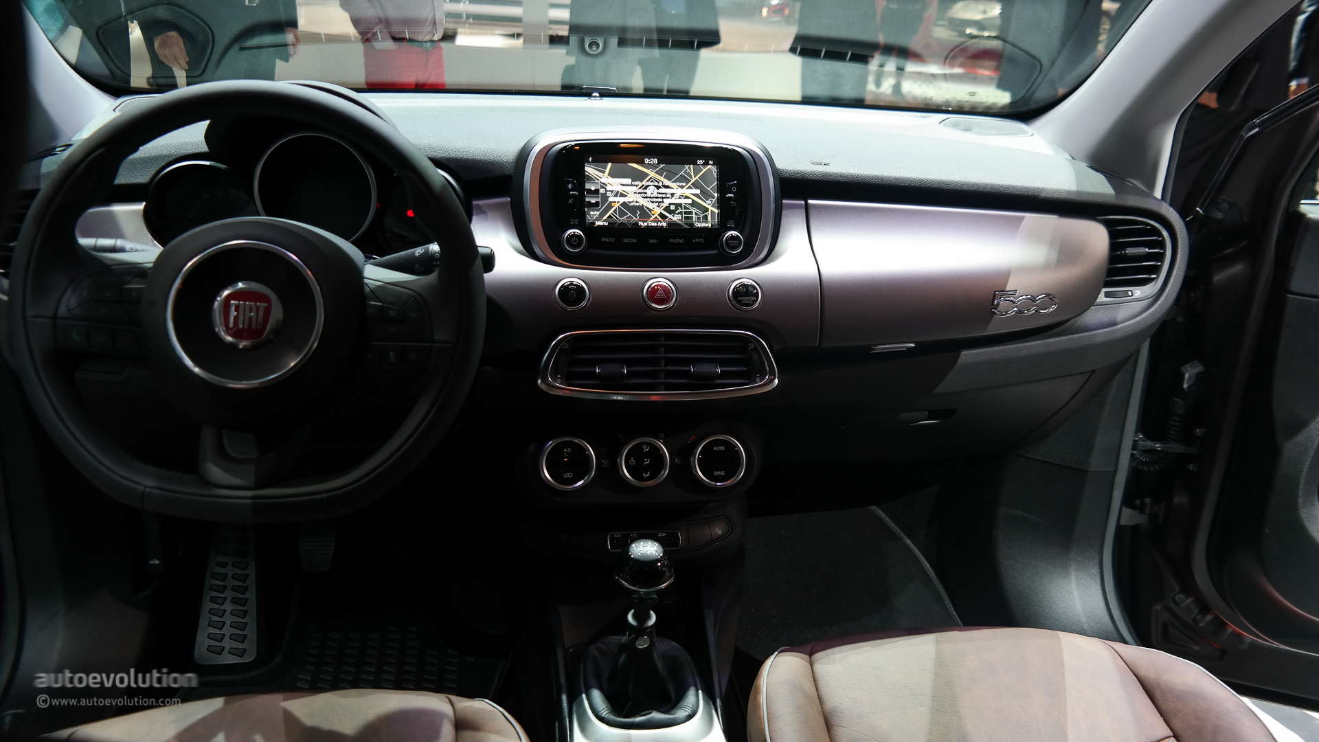 Fiat 500X Wows the Paris Motor Show [Live Photos] - autoevolution