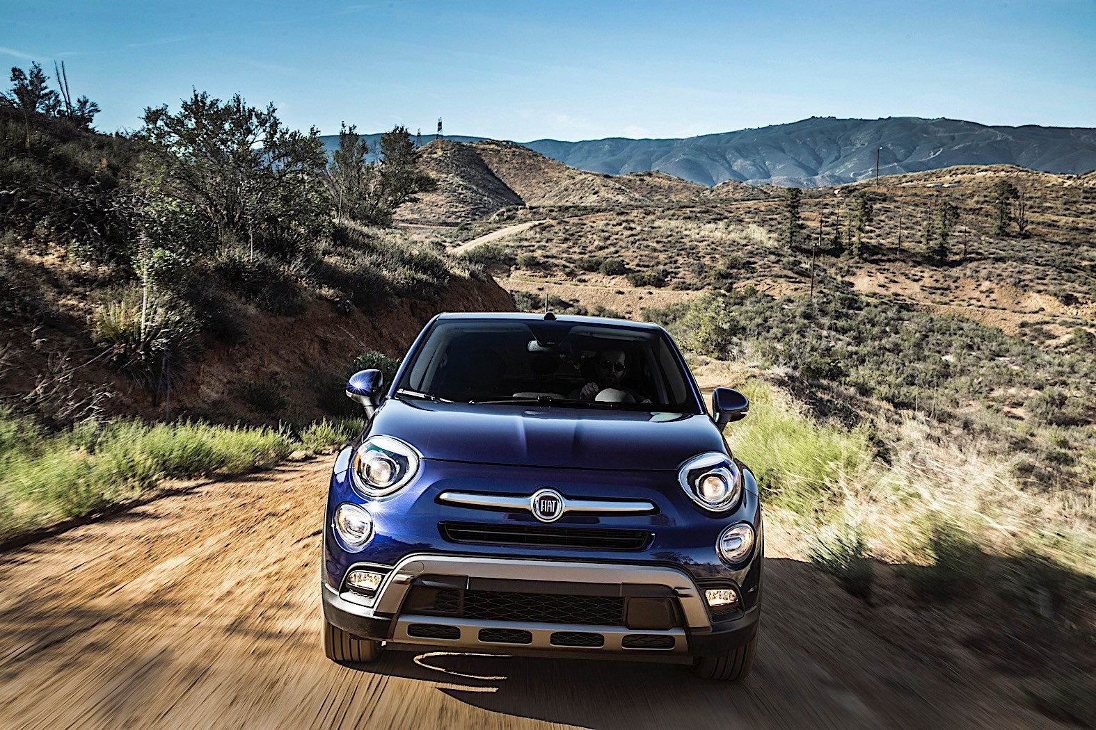 fiat tries to boost interest in 500x with adventurer edition autoevolution. Black Bedroom Furniture Sets. Home Design Ideas