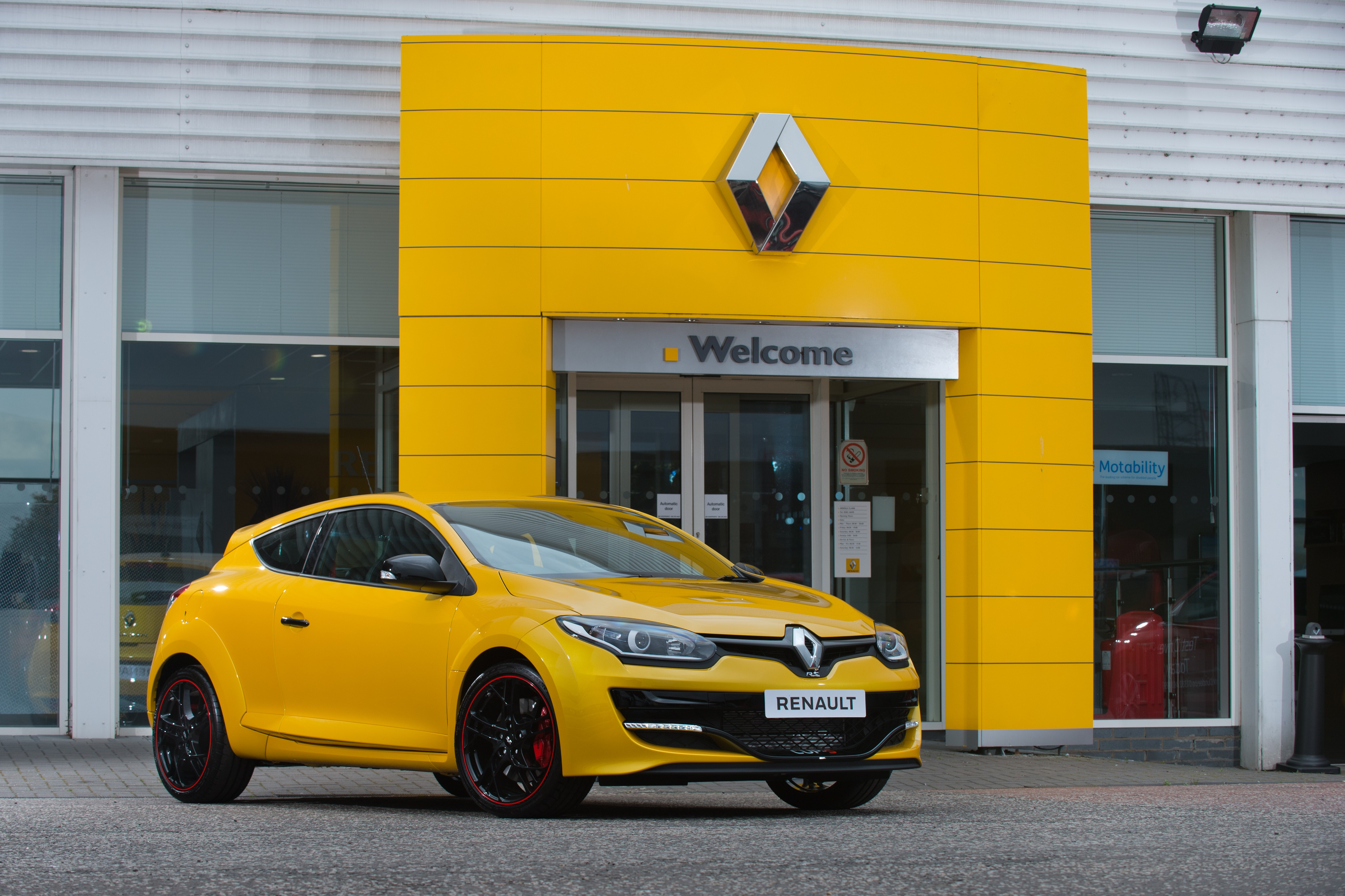 Final Third Generation Megane Rs On Sale In The Uk Priced At 31 930 Autoevolution