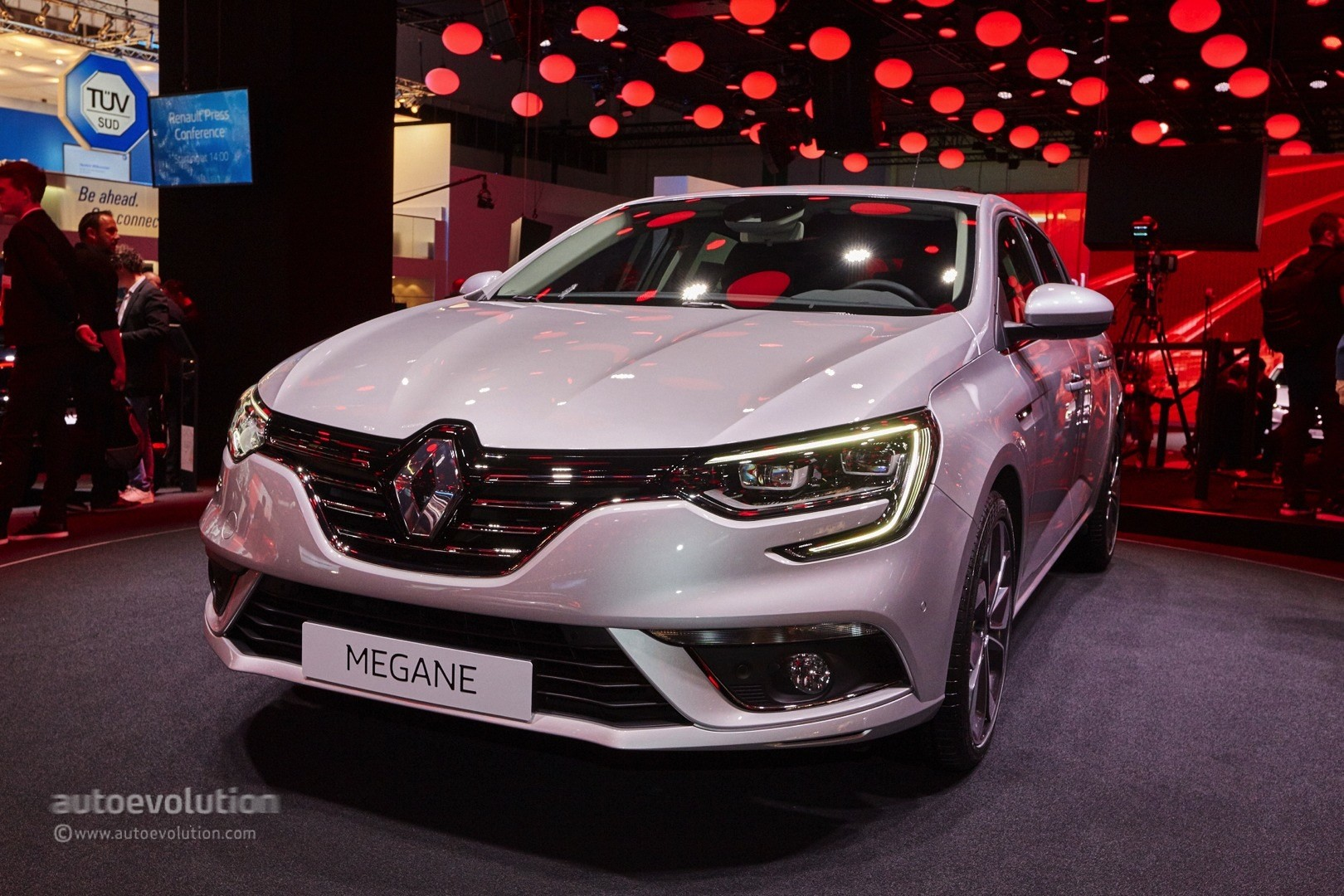 2016 Opel Astra 1 6 Cdti Vs Renault Megane 1 5 Dci Comparison Review
