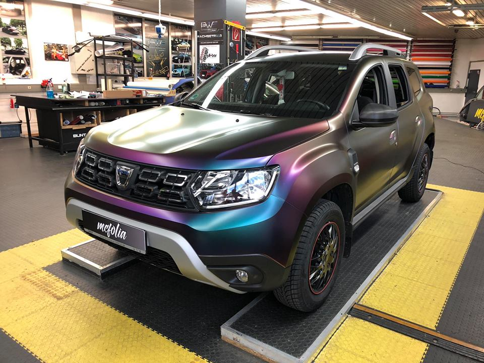 First 2019 Dacia Duster Wrap Is A Purple Color Flip