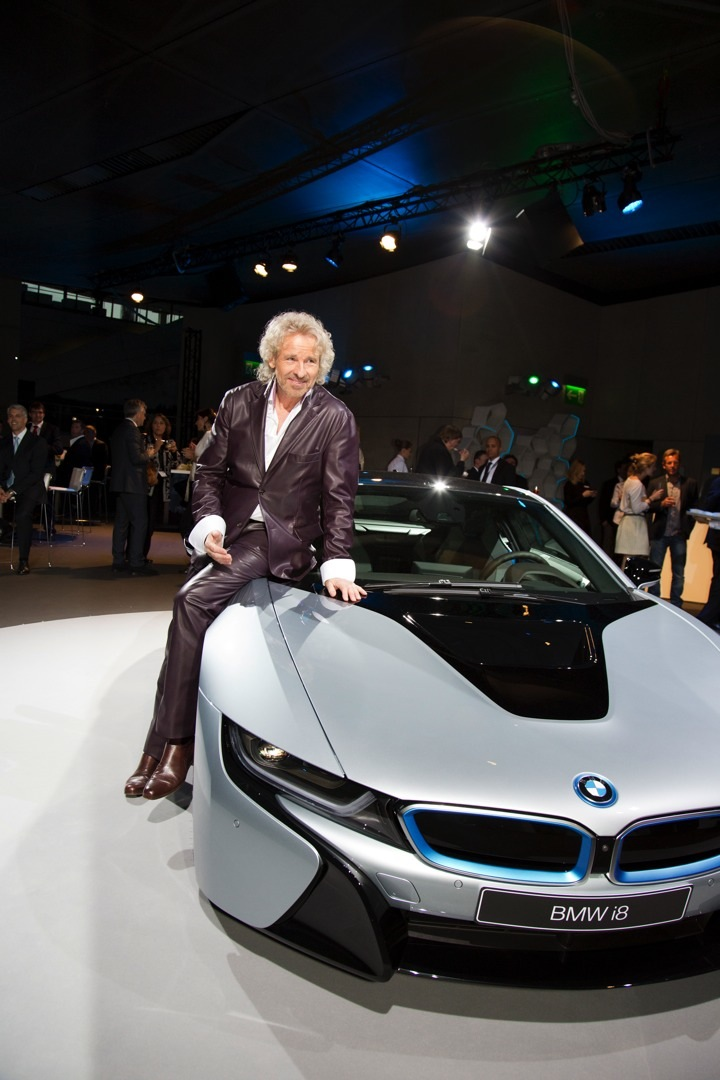 Katy Perry Brings Marylin Monroe To The Bmw Welt