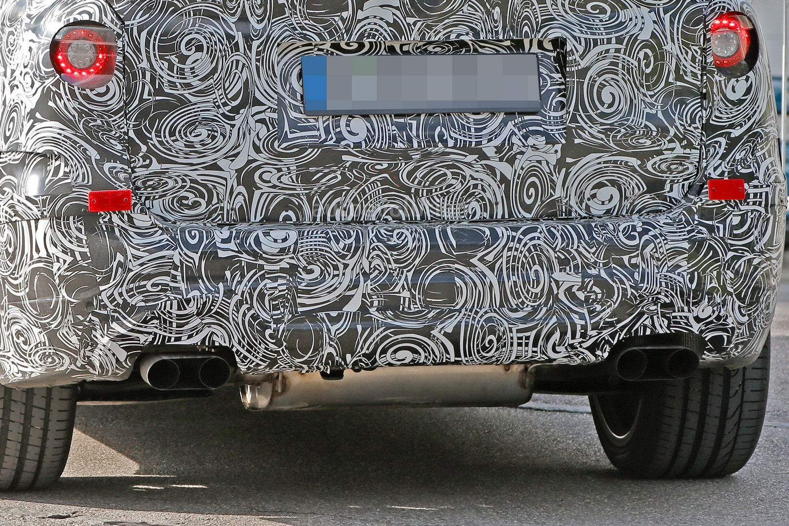 2016 - [BMW] X3 [G01] - Page 3 First-ever-bmw-x3-m-prototype-spotted-will-compete-with-the-glc-63-amg_11