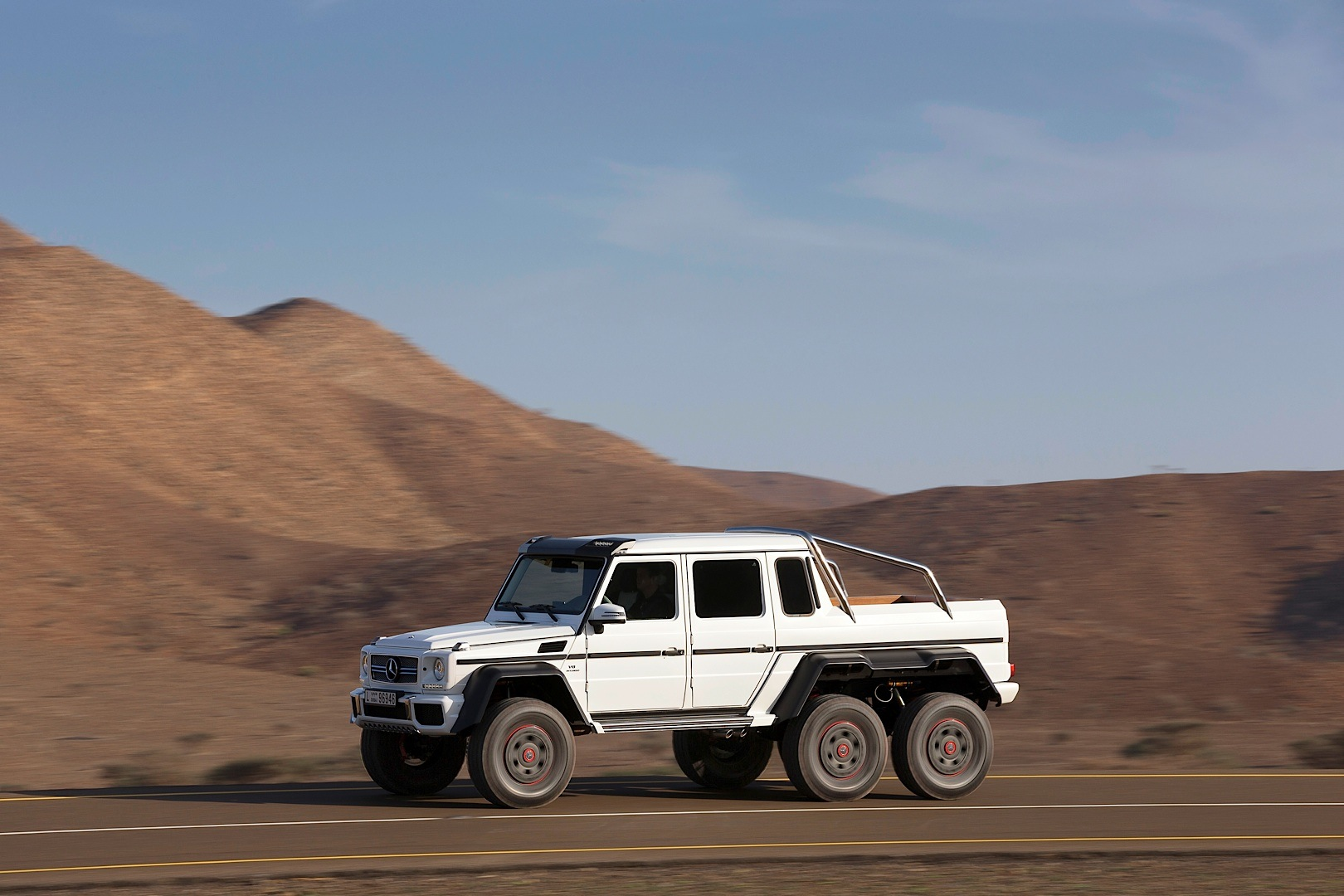 First g 63 amg 6x6 built is up for grabs autoevolution for Mercedes benz g class 6x6 price