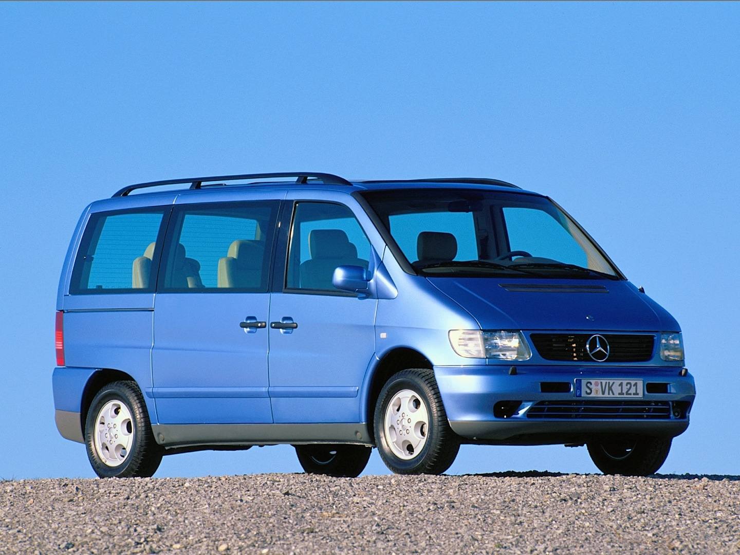 First generation mercedes benz vito returns as force mpv autoevolution