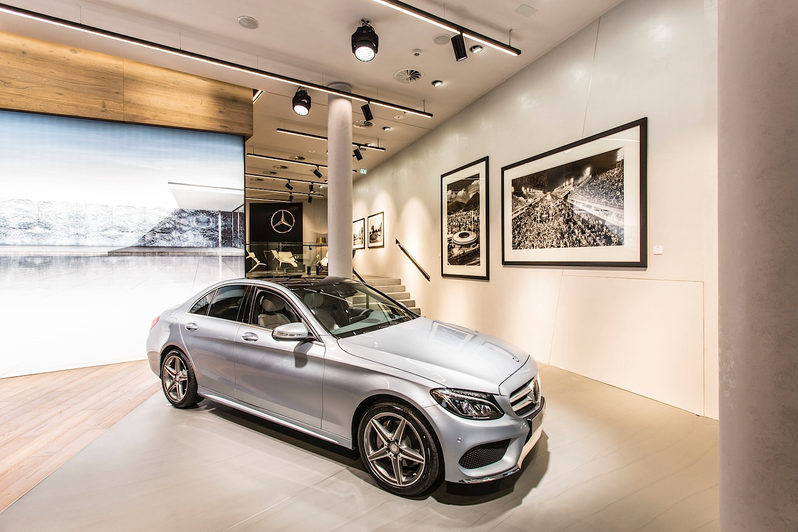 First innovative mercedes me store opens in germany for Mercedes benz in germany