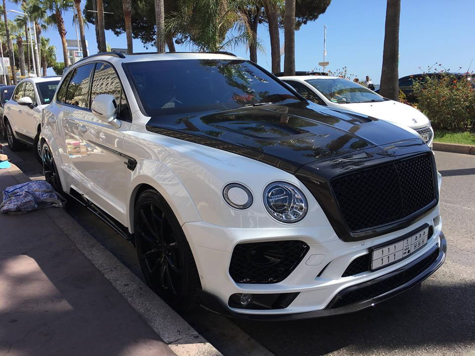 First mansory bentley bentayga spotted looking all black and white in cannes autoevolution