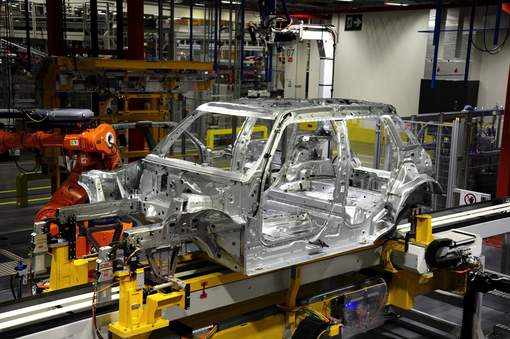First Mini 5 Door Hatch Rolls Off The Production Line In