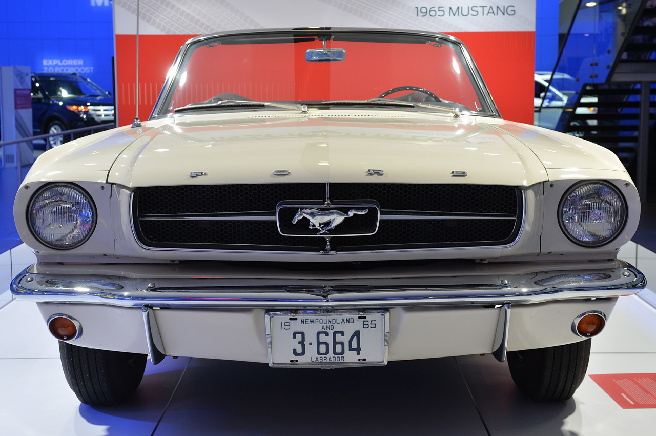 first production ford mustang ever built shows up in detroit autoevolution. Black Bedroom Furniture Sets. Home Design Ideas