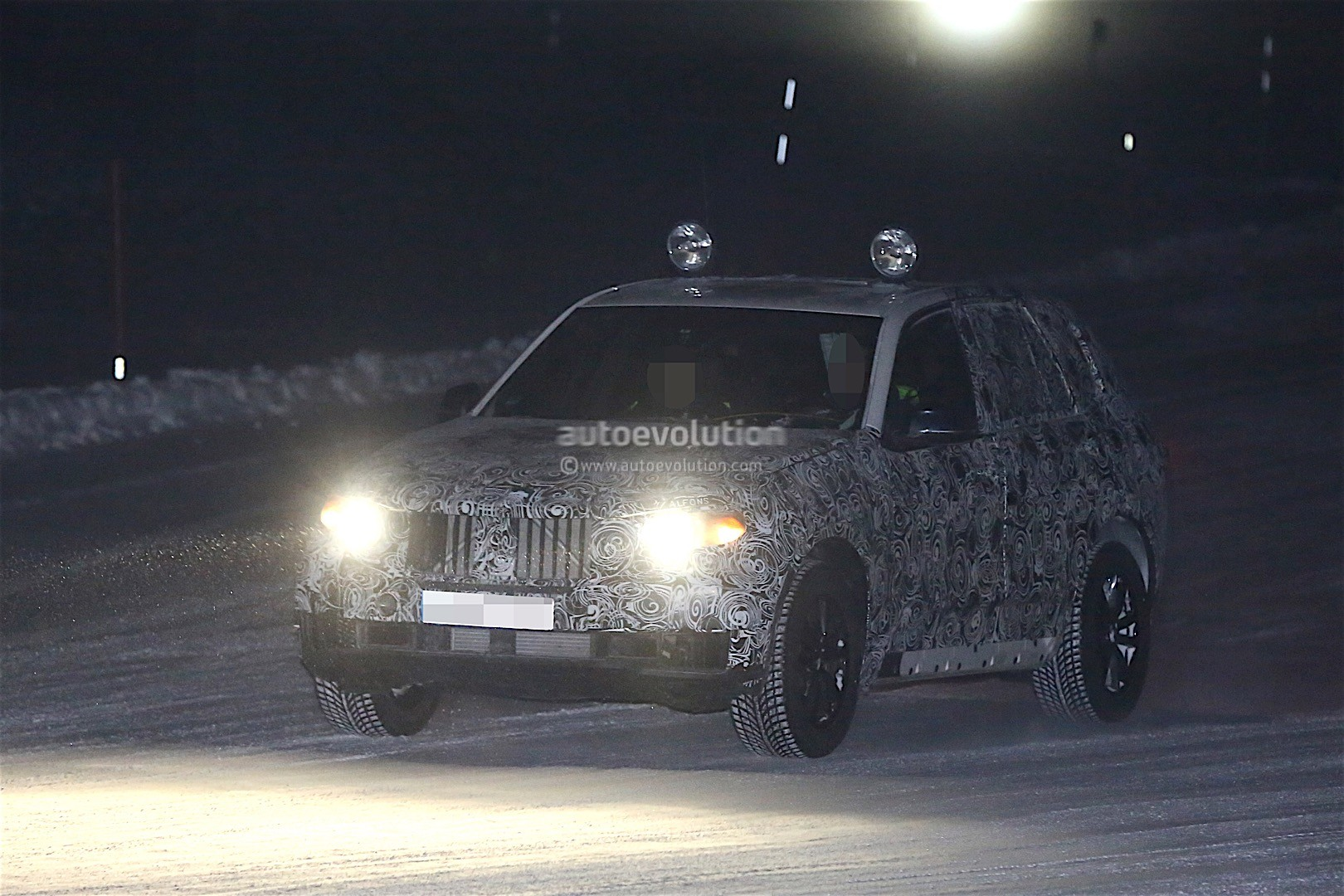 first-spy-​shots-of-n​ext-genera​tion-bmw-x​5-photo-ga​llery_1