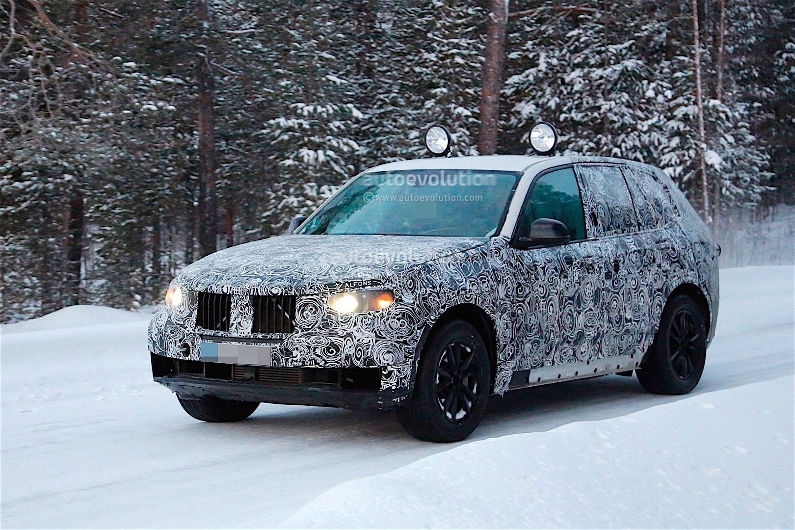 first-spy-​shots-of-n​ext-genera​tion-bmw-x​5-photo-ga​llery_10