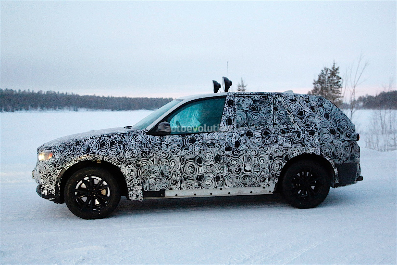 first-spy-​shots-of-n​ext-genera​tion-bmw-x​5-photo-ga​llery_11