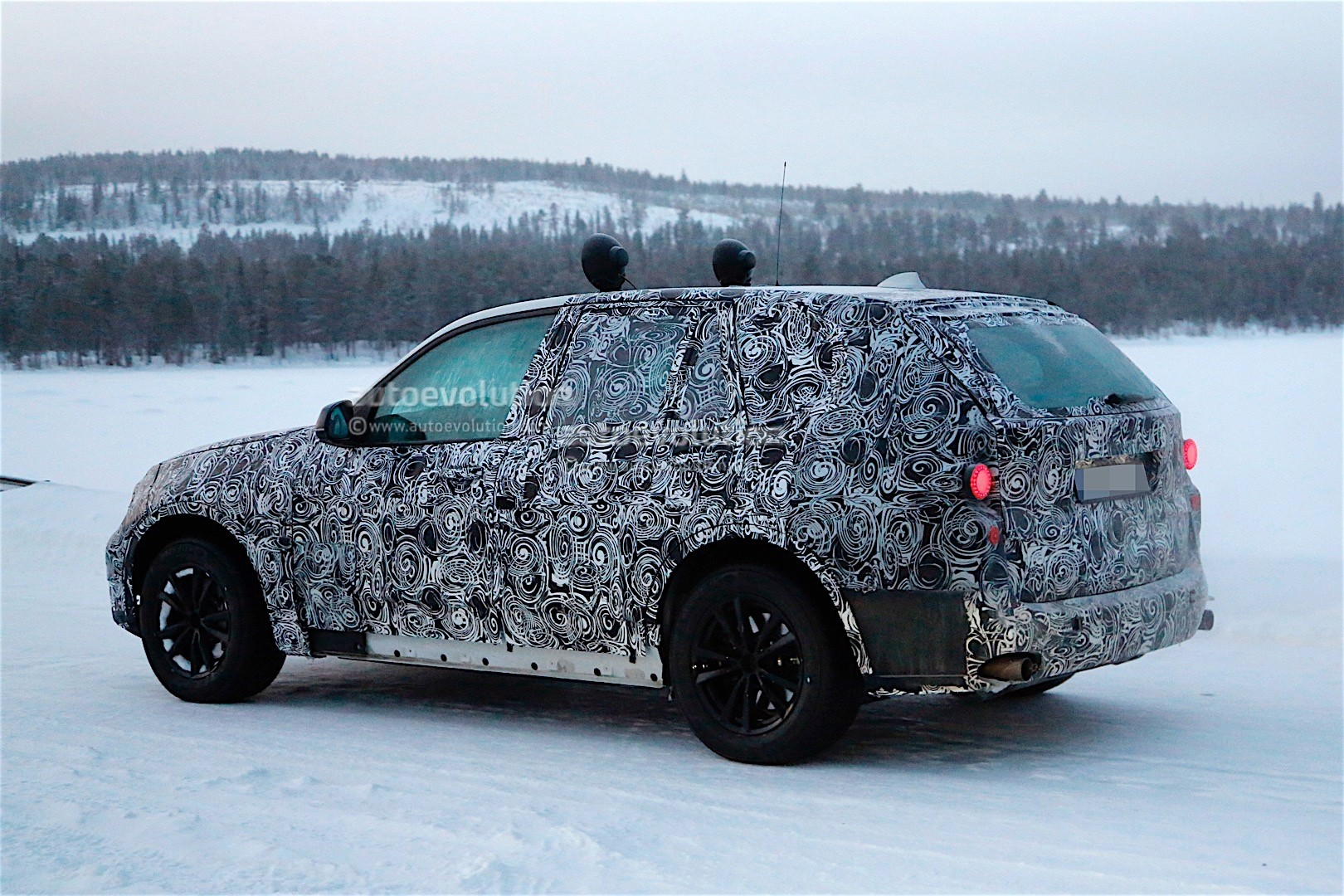 first-spy-​shots-of-n​ext-genera​tion-bmw-x​5-photo-ga​llery_12