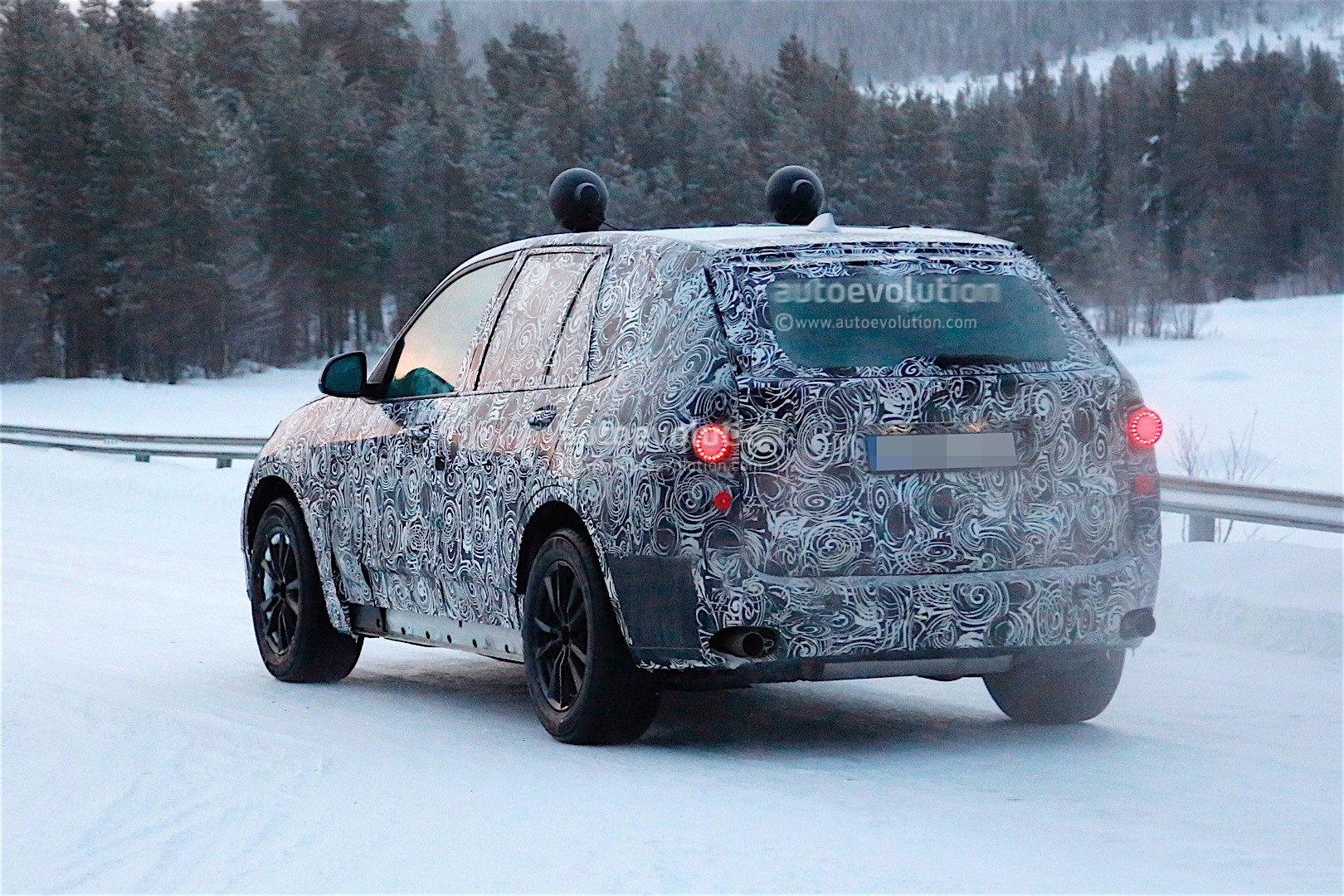 first-spy-​shots-of-n​ext-genera​tion-bmw-x​5-photo-ga​llery_13
