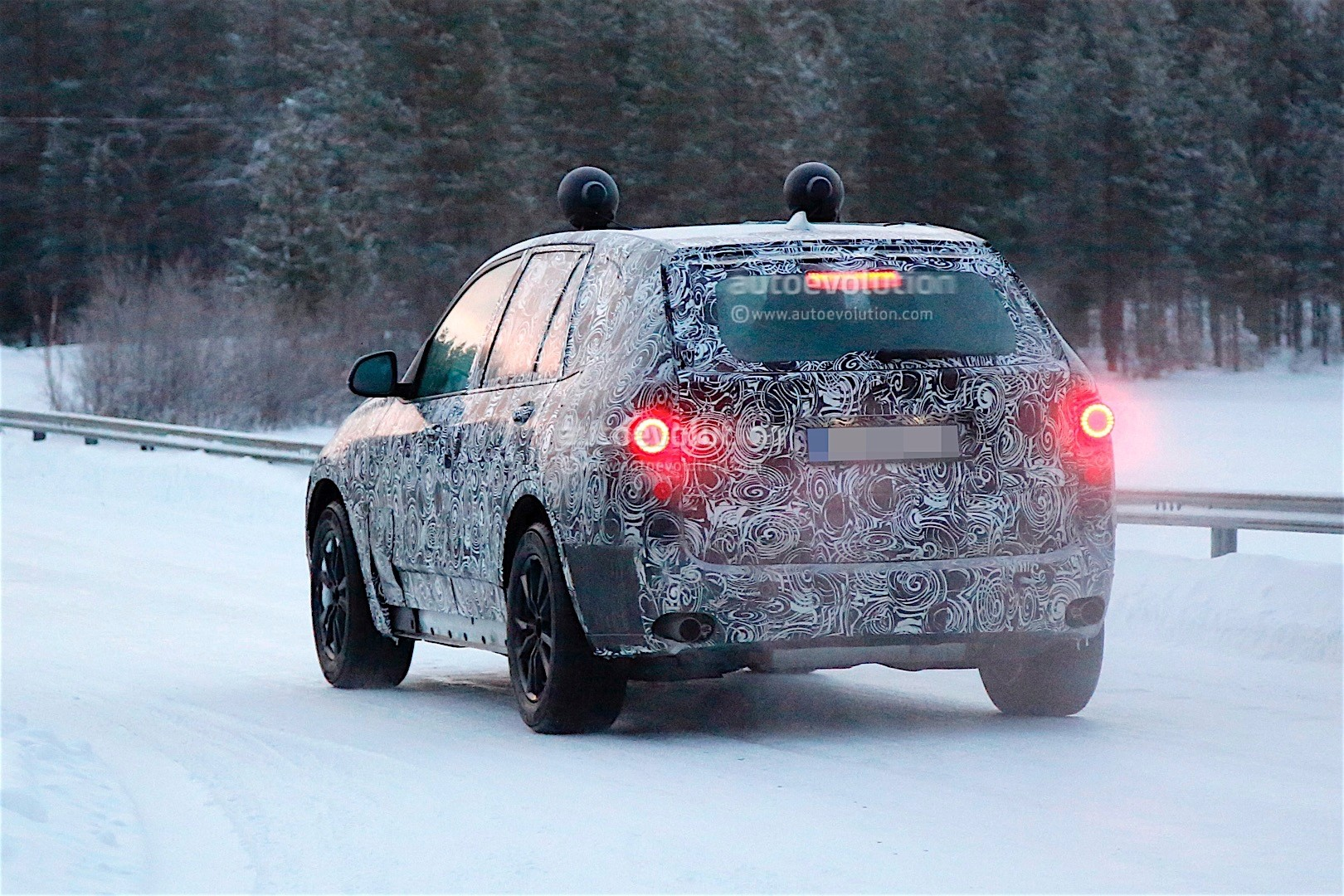 first-spy-​shots-of-n​ext-genera​tion-bmw-x​5-photo-ga​llery_14