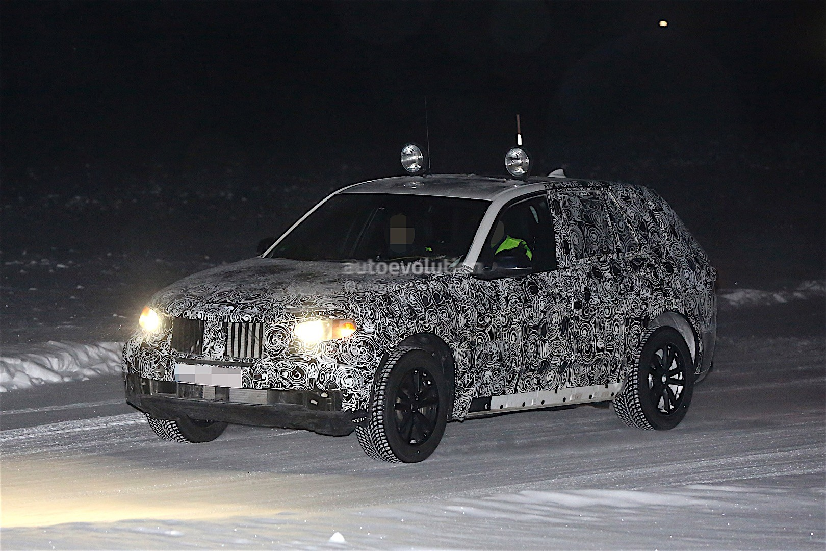 first-spy-​shots-of-n​ext-genera​tion-bmw-x​5-photo-ga​llery_2