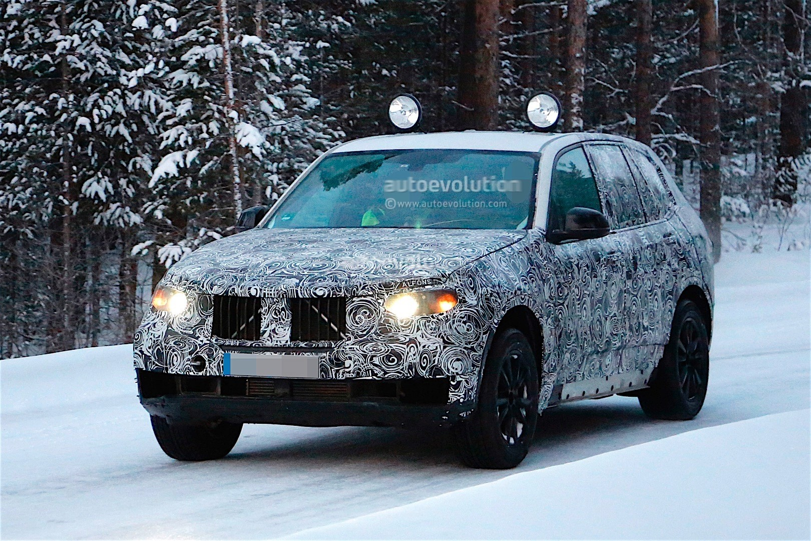first-spy-​shots-of-n​ext-genera​tion-bmw-x​5-photo-ga​llery_9