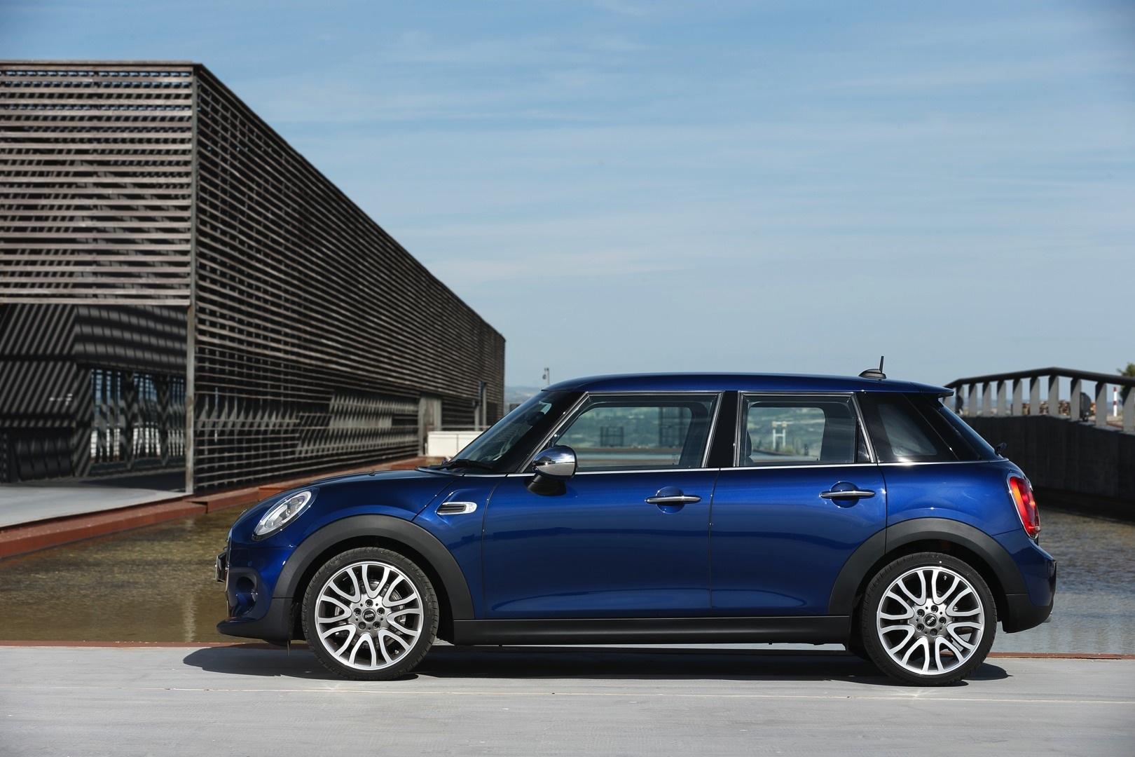 Five door mini hatchback officially unveiled photo gallery for 106 door