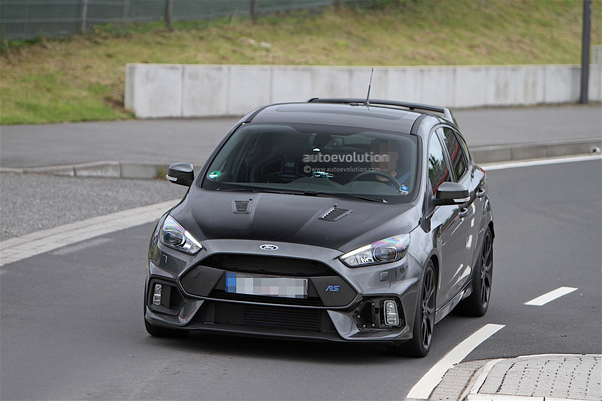 ford testing performance enhanced version of focus rs. Black Bedroom Furniture Sets. Home Design Ideas