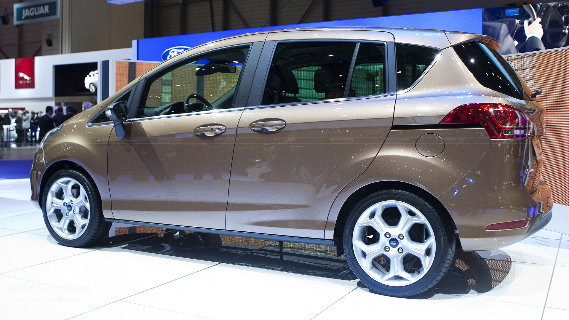 ford b max uk pricing announced autoevolution. Black Bedroom Furniture Sets. Home Design Ideas