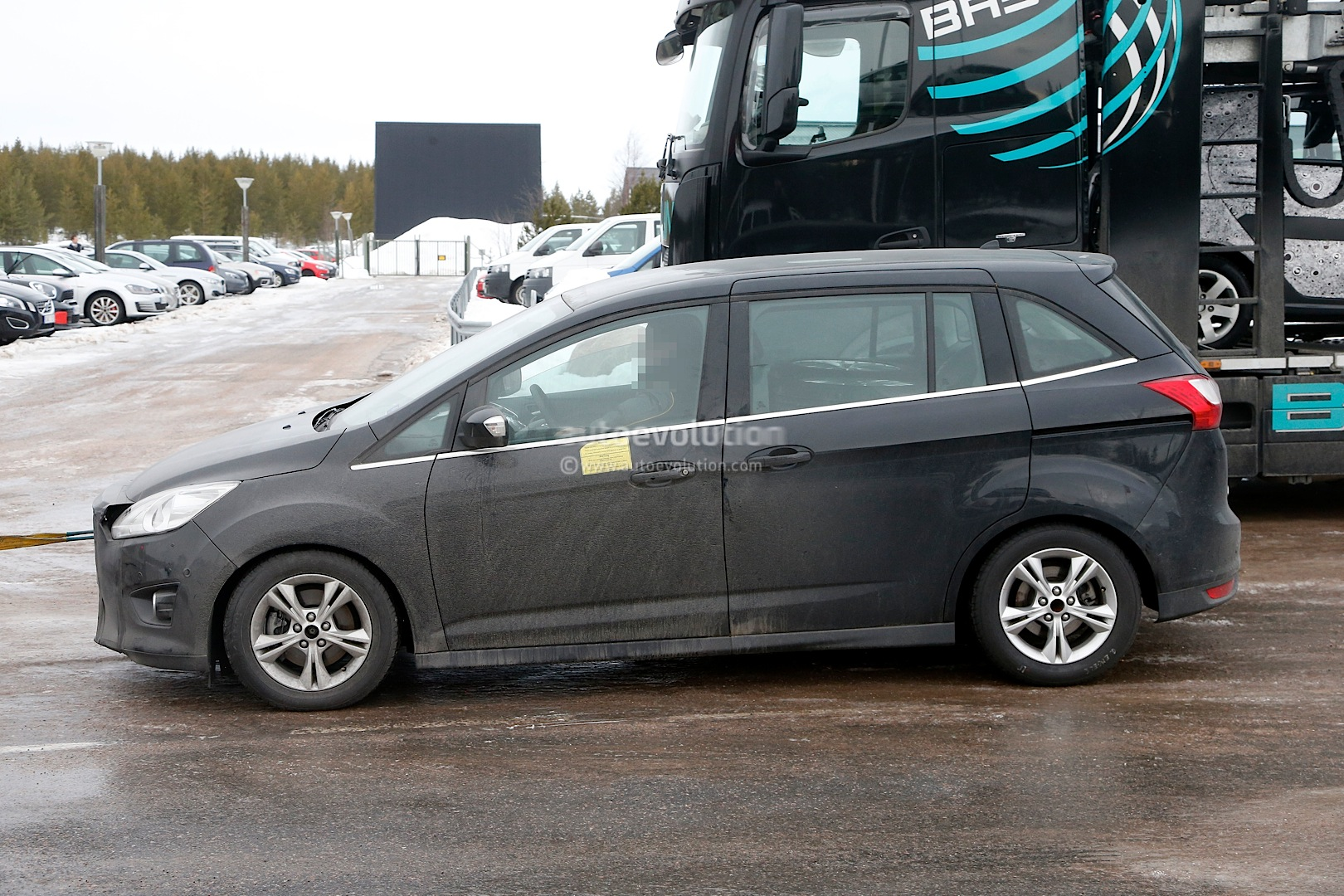 ford c max facelift prototype breaks down during testing. Black Bedroom Furniture Sets. Home Design Ideas