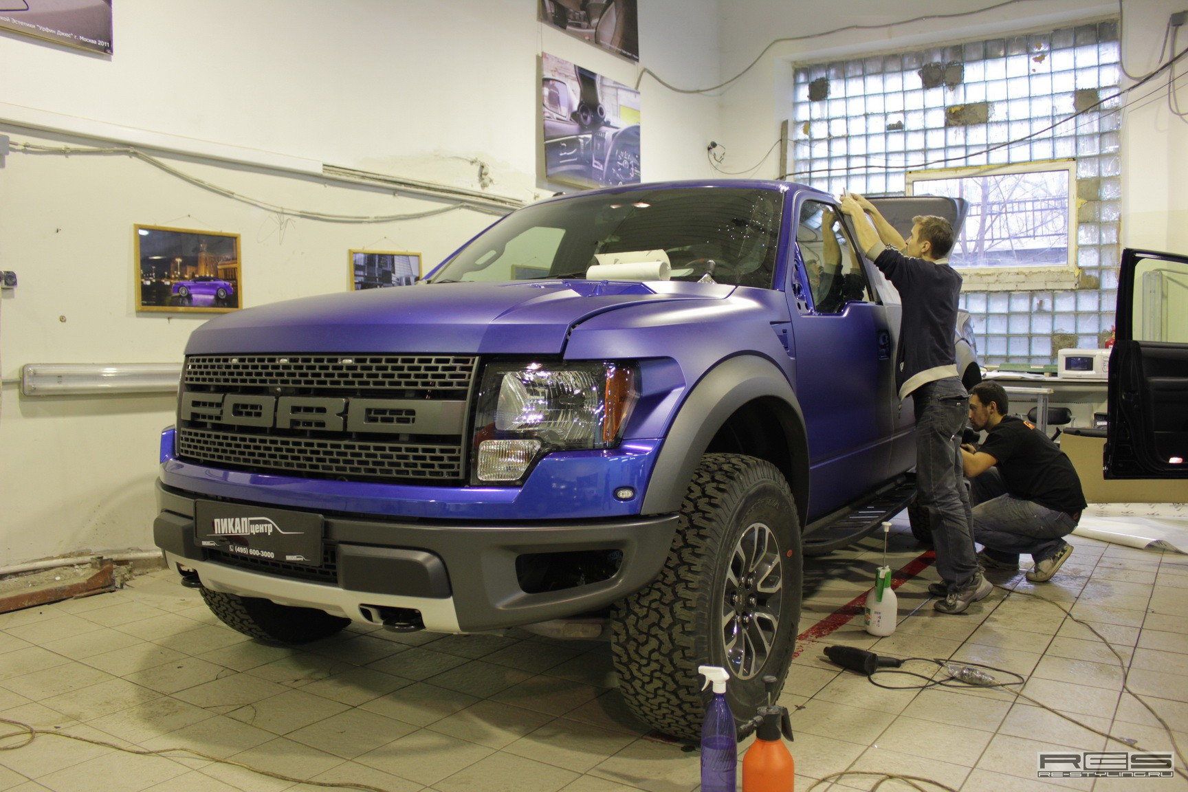Ford F-150 SVT Raptor Matte Wrap by Re-Styling [Video ...