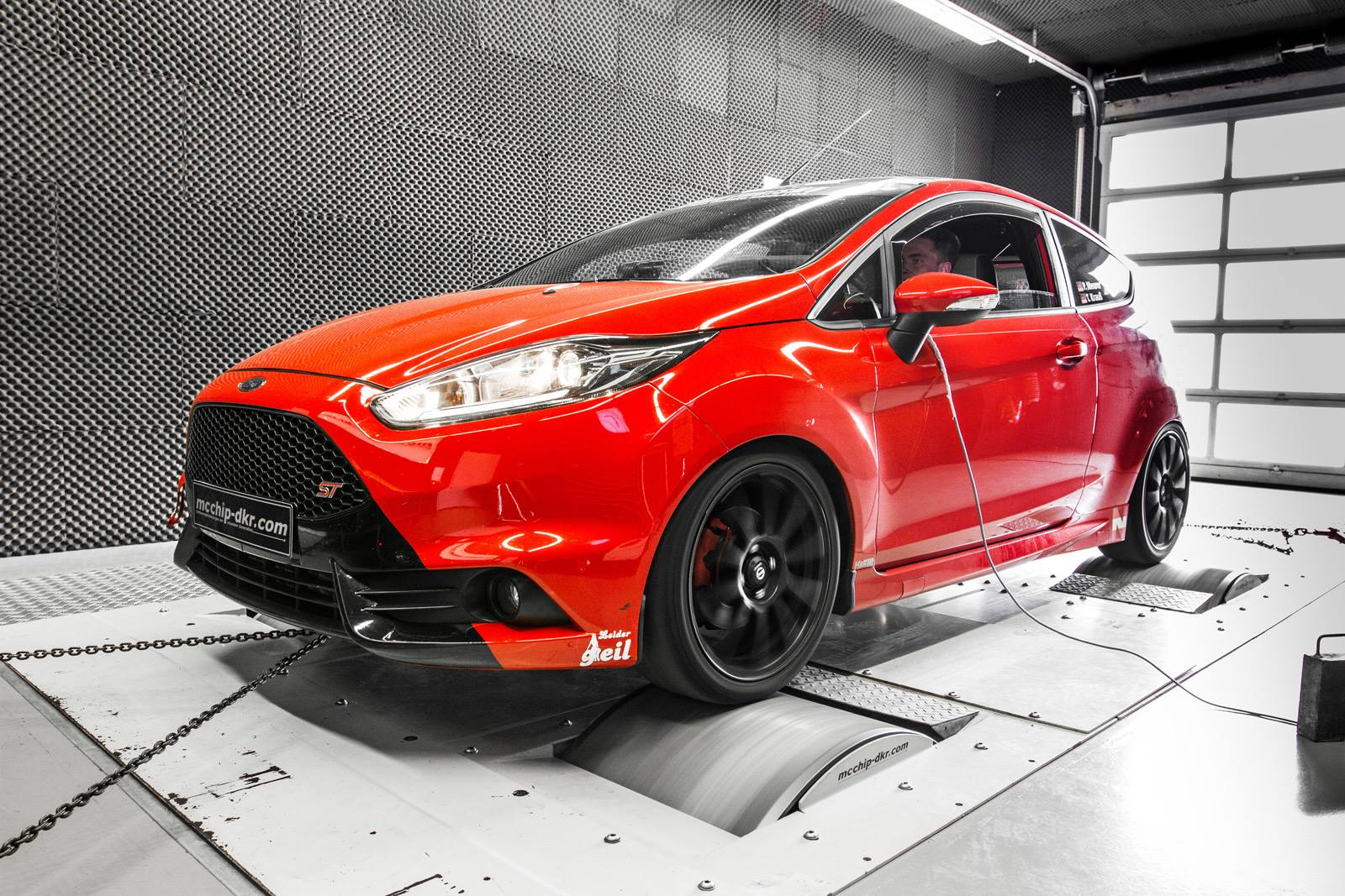 ford fiesta st 1 6 liter turbo tuned to 266 hp and 387 nm of torque autoevolution. Black Bedroom Furniture Sets. Home Design Ideas