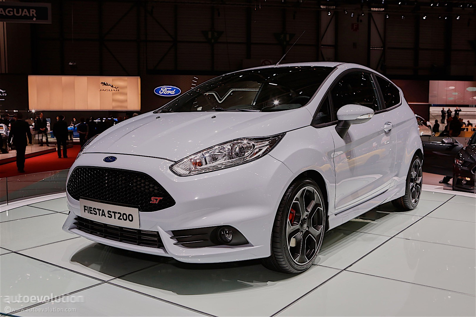 ford fiesta st200 unveiled in geneva looks just right autoevolution. Black Bedroom Furniture Sets. Home Design Ideas