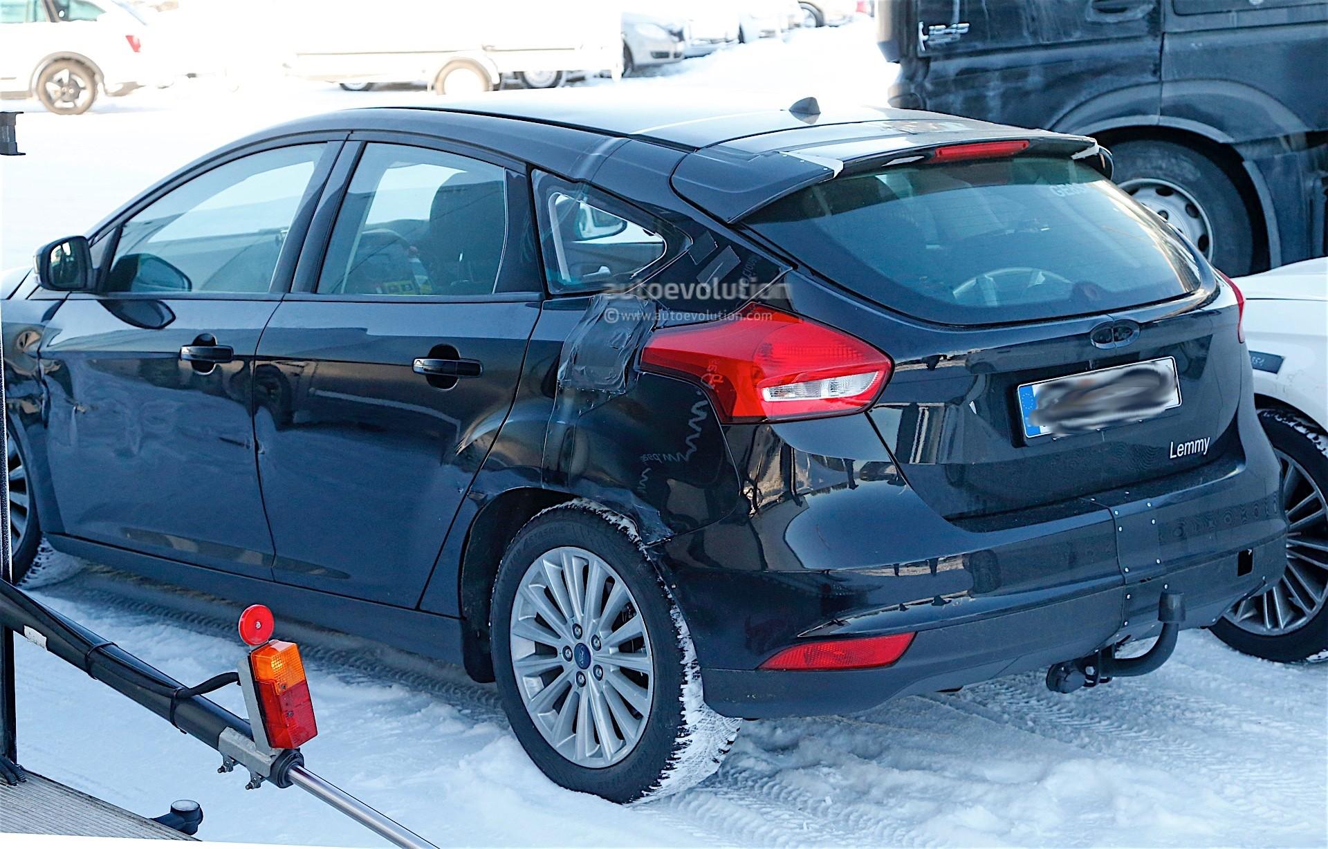 Ford Focus Mk4 Mule Spied Testing