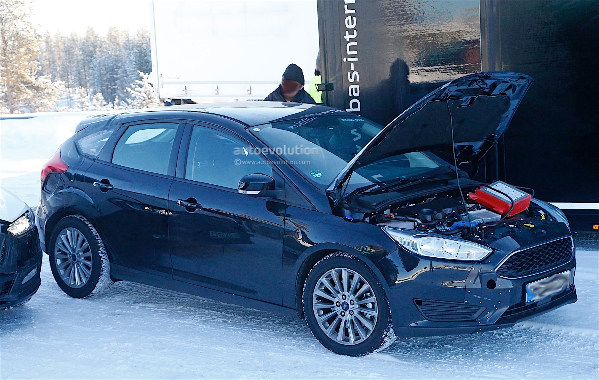 ford testing next generation focus in winter conditions first spyshots autoevolution. Black Bedroom Furniture Sets. Home Design Ideas