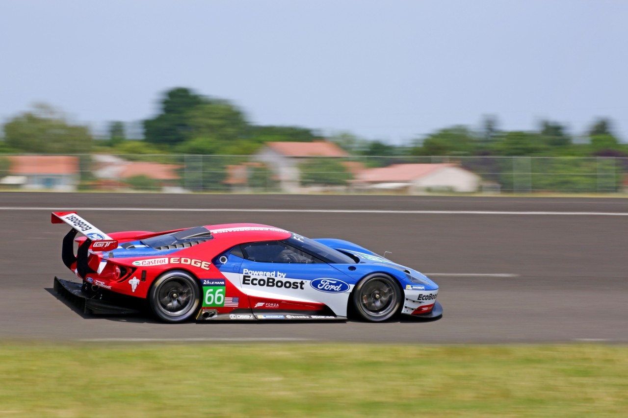 Ford GT Le Mans Racecar Confirmed to Debut at 2016 Daytona ...