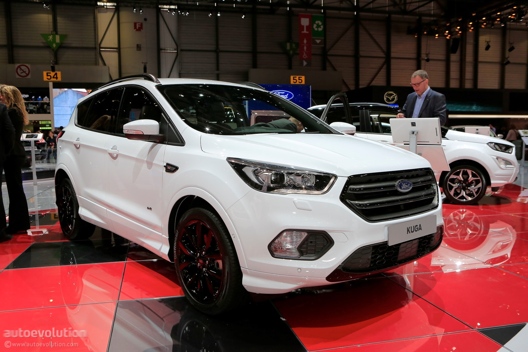 2018 ford kuga shows off in geneva in st line. Black Bedroom Furniture Sets. Home Design Ideas