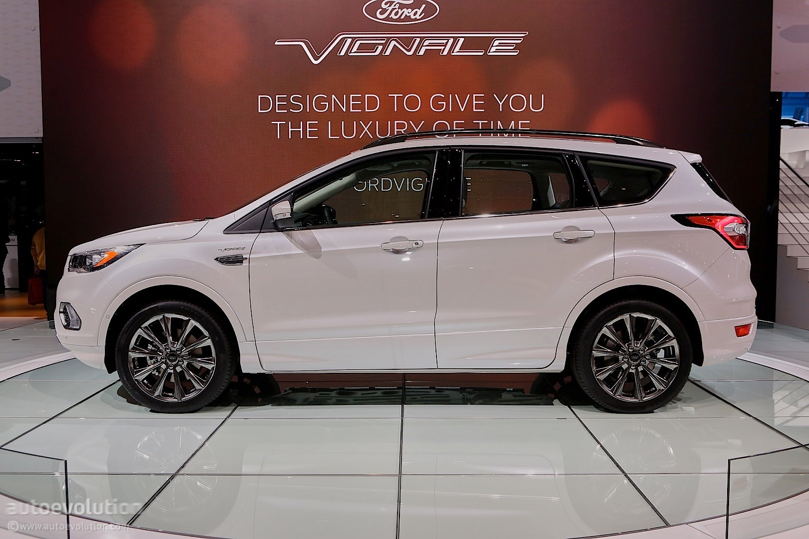 ford kuga vignale is the tamest concept you 39 ll see in. Black Bedroom Furniture Sets. Home Design Ideas