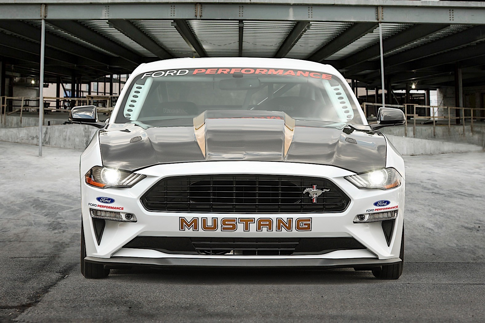 Ford Mustang Cobra Jet Takes Drag Racing to a Whole New ...