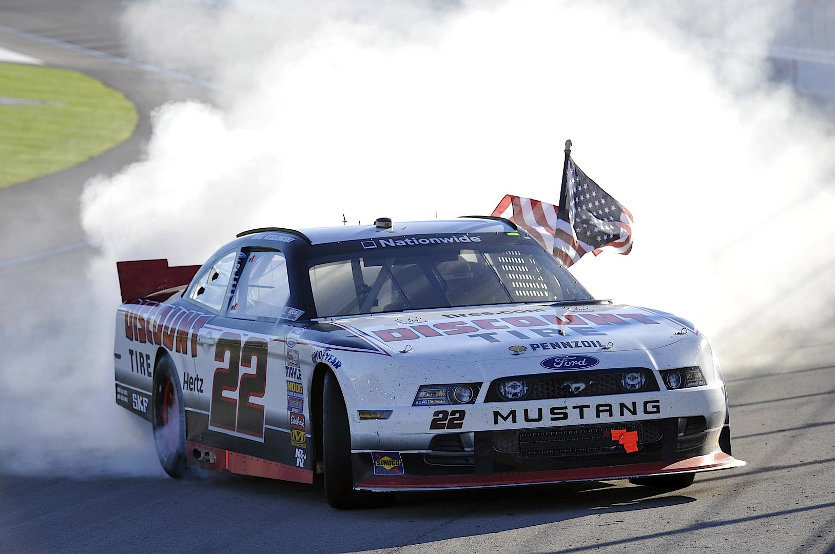 Ford Mustang Wins First NASCAR Nationwide Race in 2014 - autoevolution