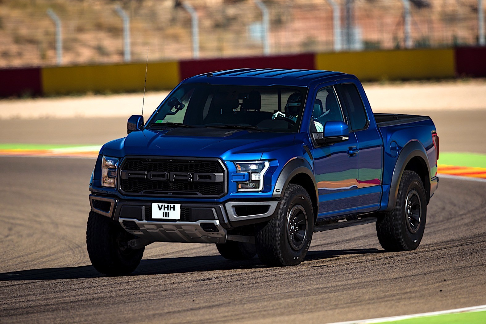 Ford Pits All Of Its Sports Cars Against Each Other ...