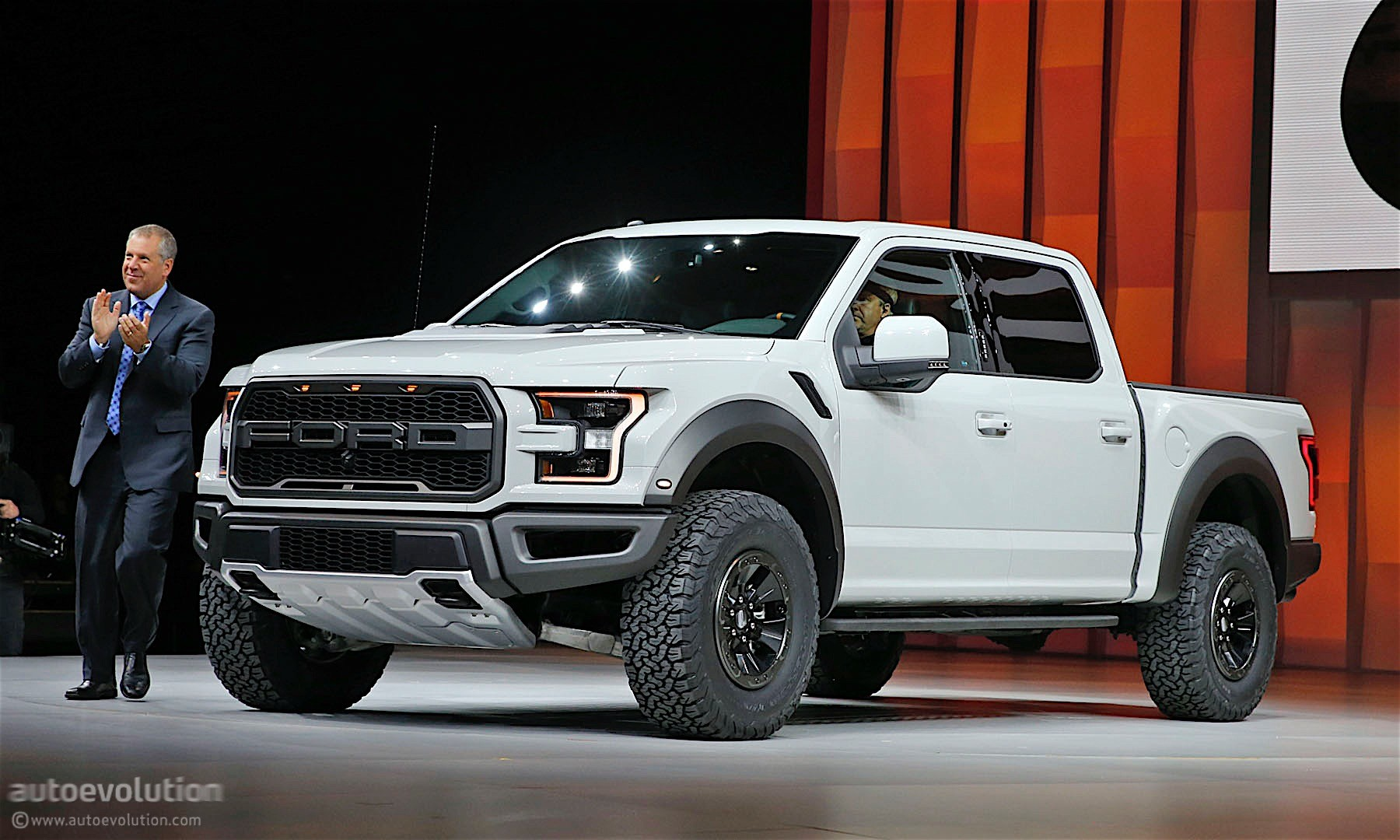 Ford F 150 Raptor Gets A Supercrew Version In Detroit