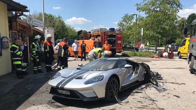 Ford GT Hydraulic Fluid Leak From Rear Wing Could Start a Fire