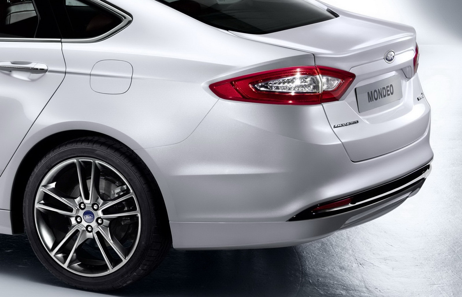 Releases First Official Photos of All-New 2013 Mondeo [Photo Gallery