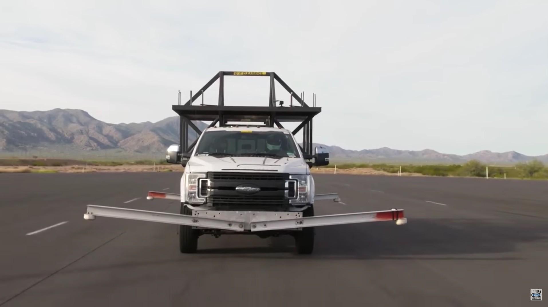 ford unveils weird camper testing rig for 2017 f series super duty autoevolution. Black Bedroom Furniture Sets. Home Design Ideas