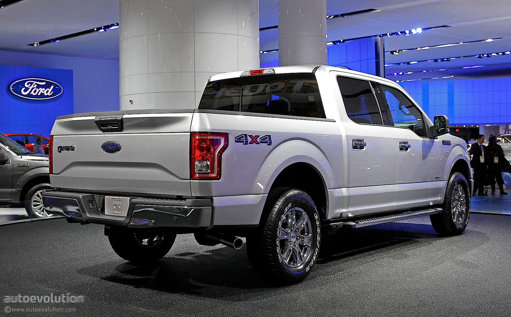 ford s next gen f 150 aluminum truck shows up in detroit live photos autoevolution. Black Bedroom Furniture Sets. Home Design Ideas