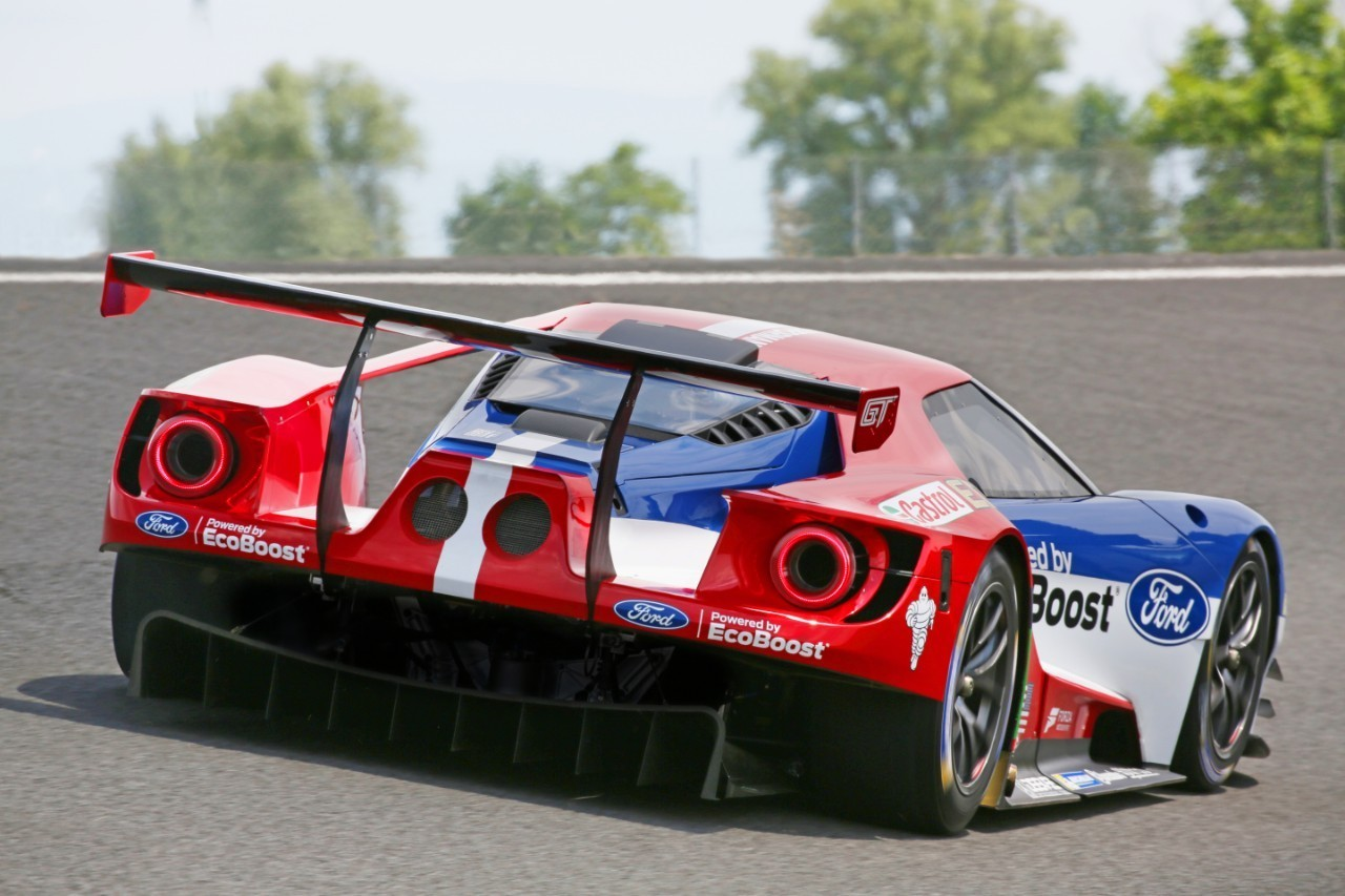 Four ford gt race cars will compete at le mans autoevolution for Garage automobile le mans