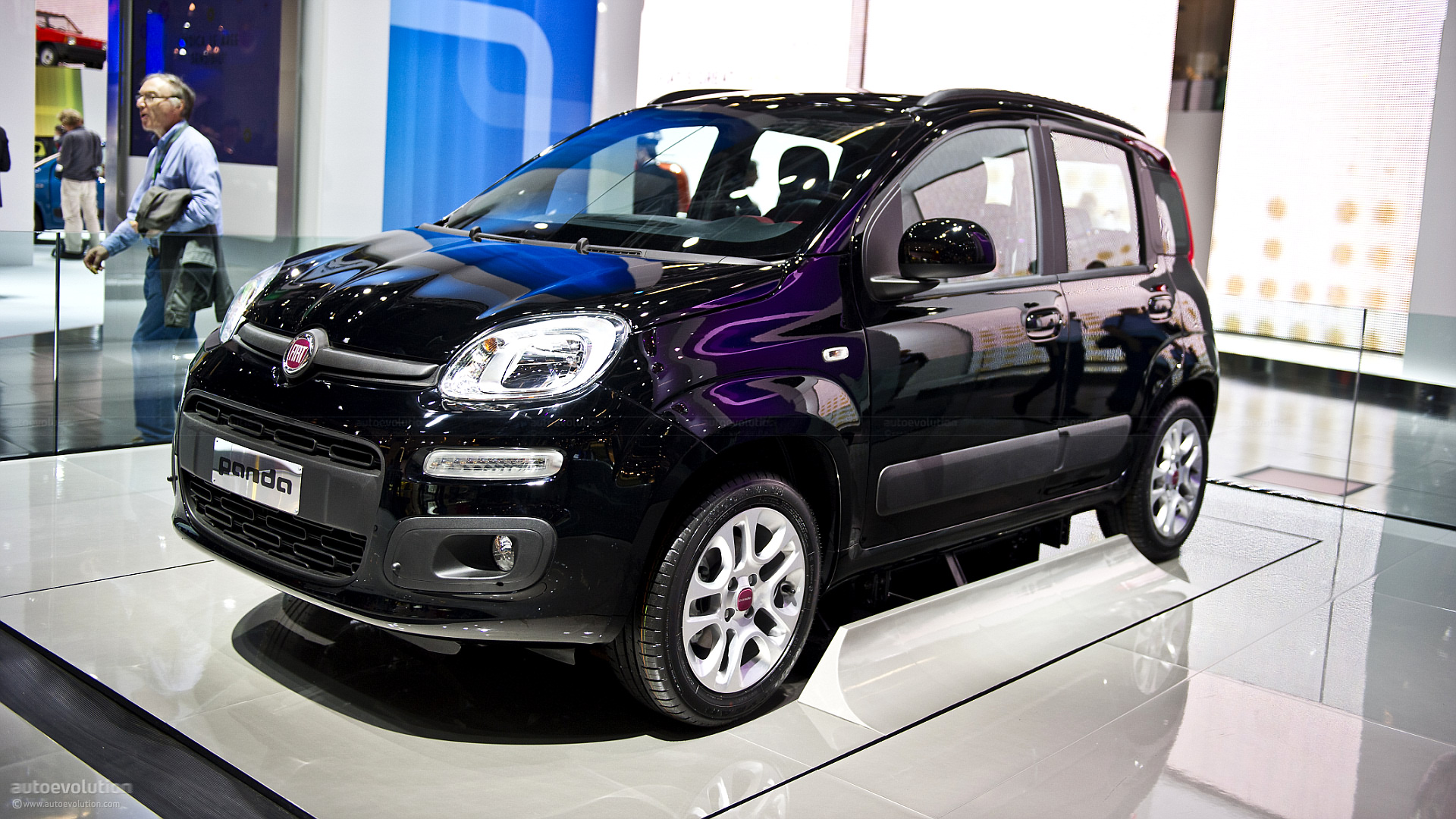 frankfurt 2011 fiat panda live photos autoevolution. Black Bedroom Furniture Sets. Home Design Ideas