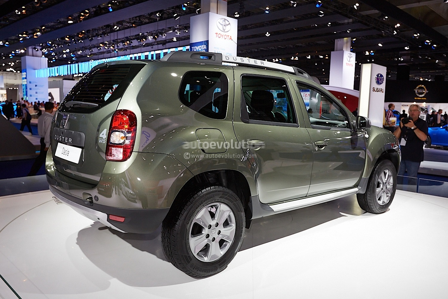 dacia duster facelift live photos