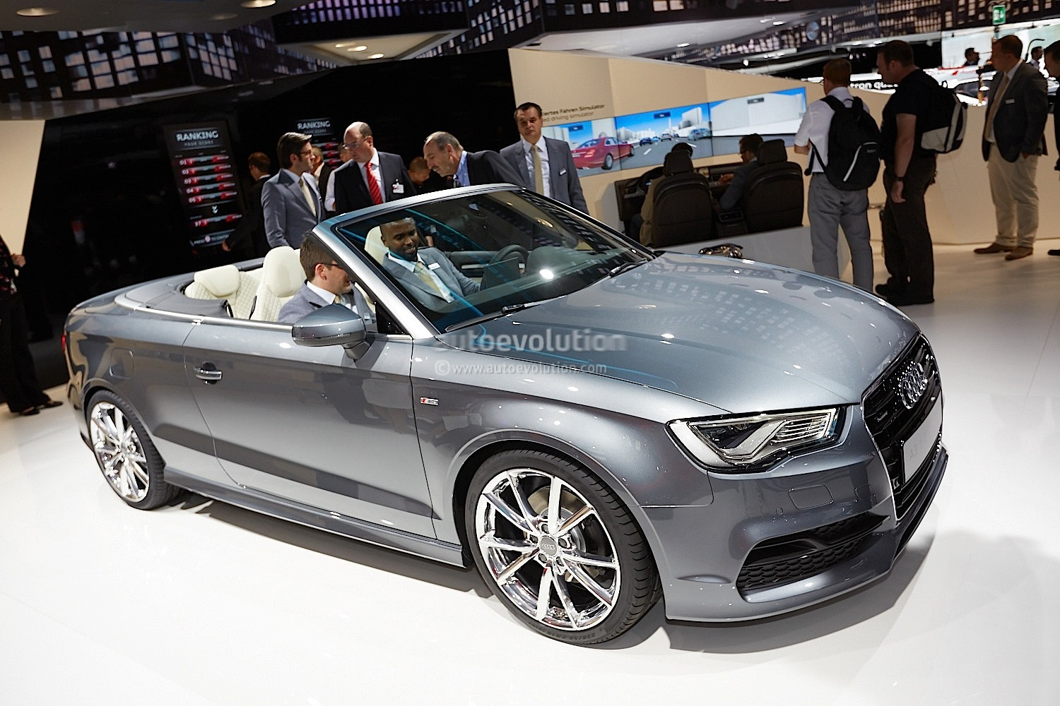 frankfurt 2013 new audi a3 cabriolet live photos autoevolution. Black Bedroom Furniture Sets. Home Design Ideas