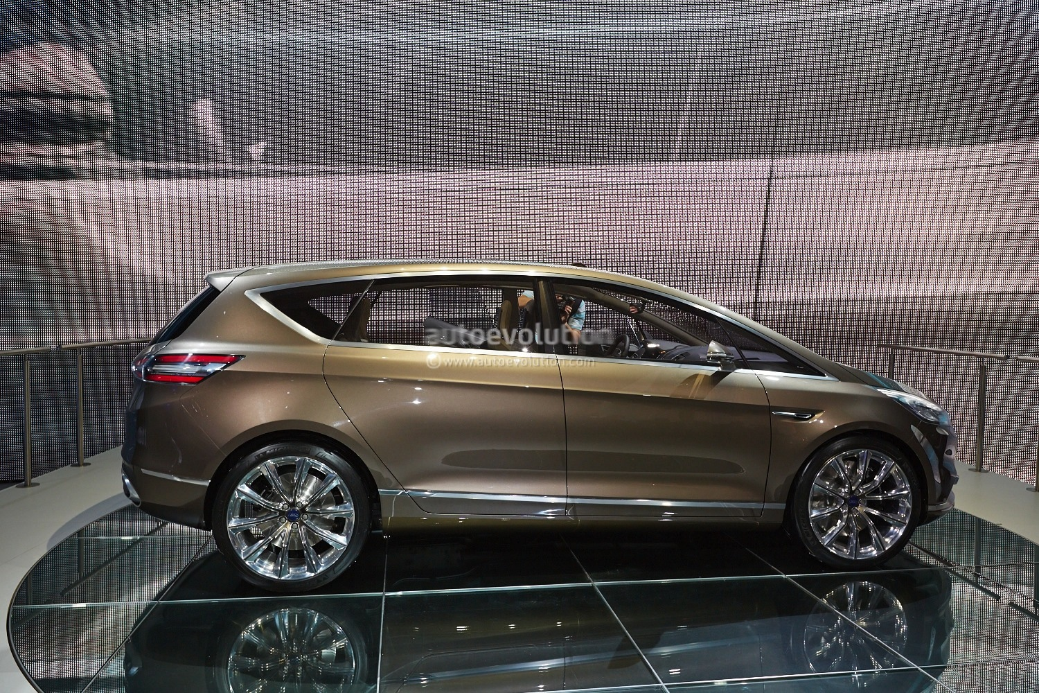 Frankfurt 2013 New Ford S Max Previewed By Concept Live