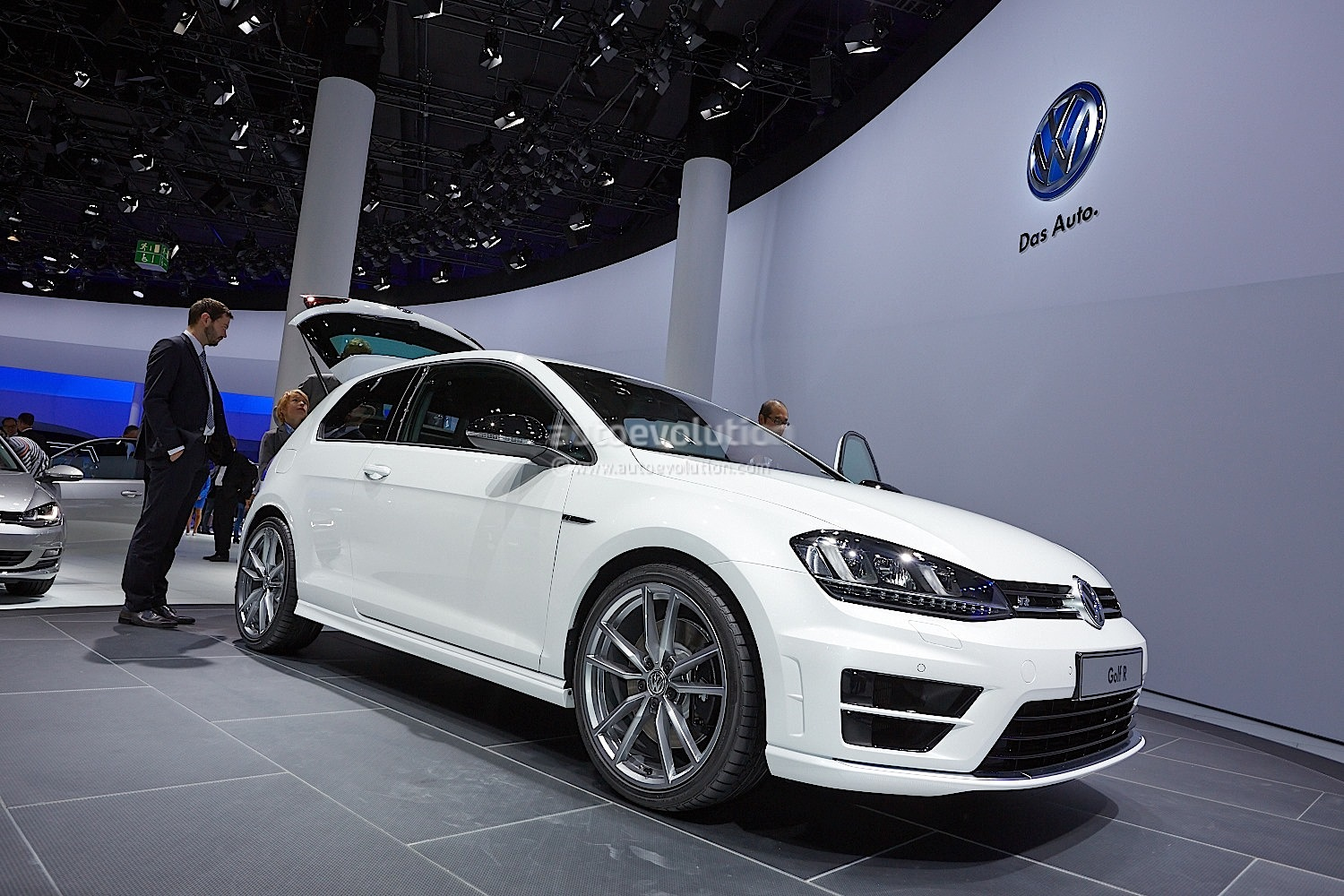Frankfurt 2013: New Golf R Makes World Debut [Live Photos] - autoevolution