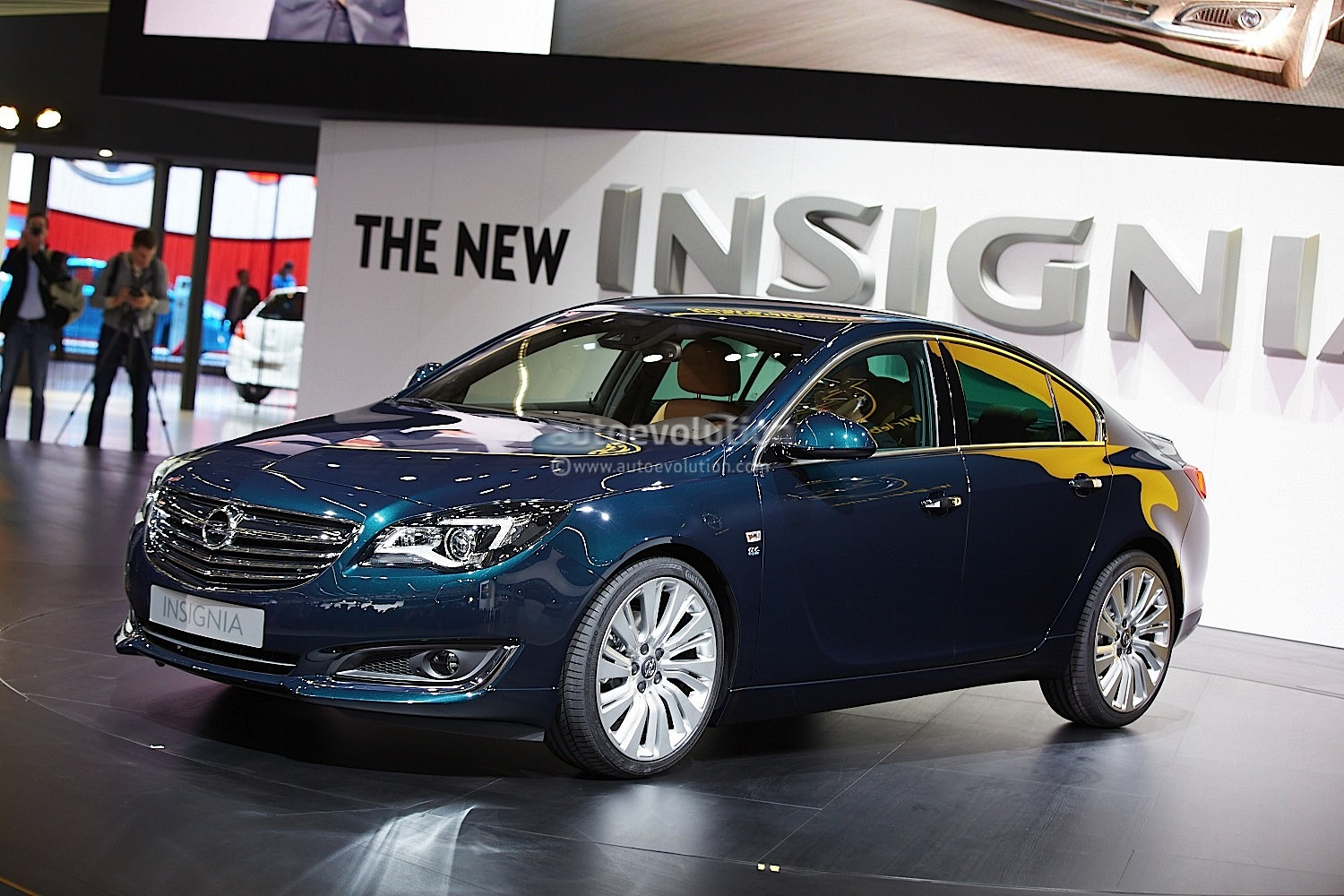 frankfurt 2013 opel insignia facelift live photos. Black Bedroom Furniture Sets. Home Design Ideas